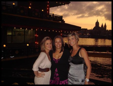 Jade, myself and Jess outside the Sea Palace restaurant at sunset